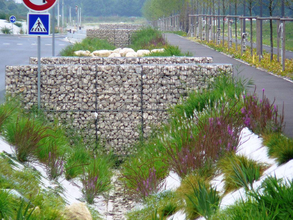 Gabion intégré au paysage