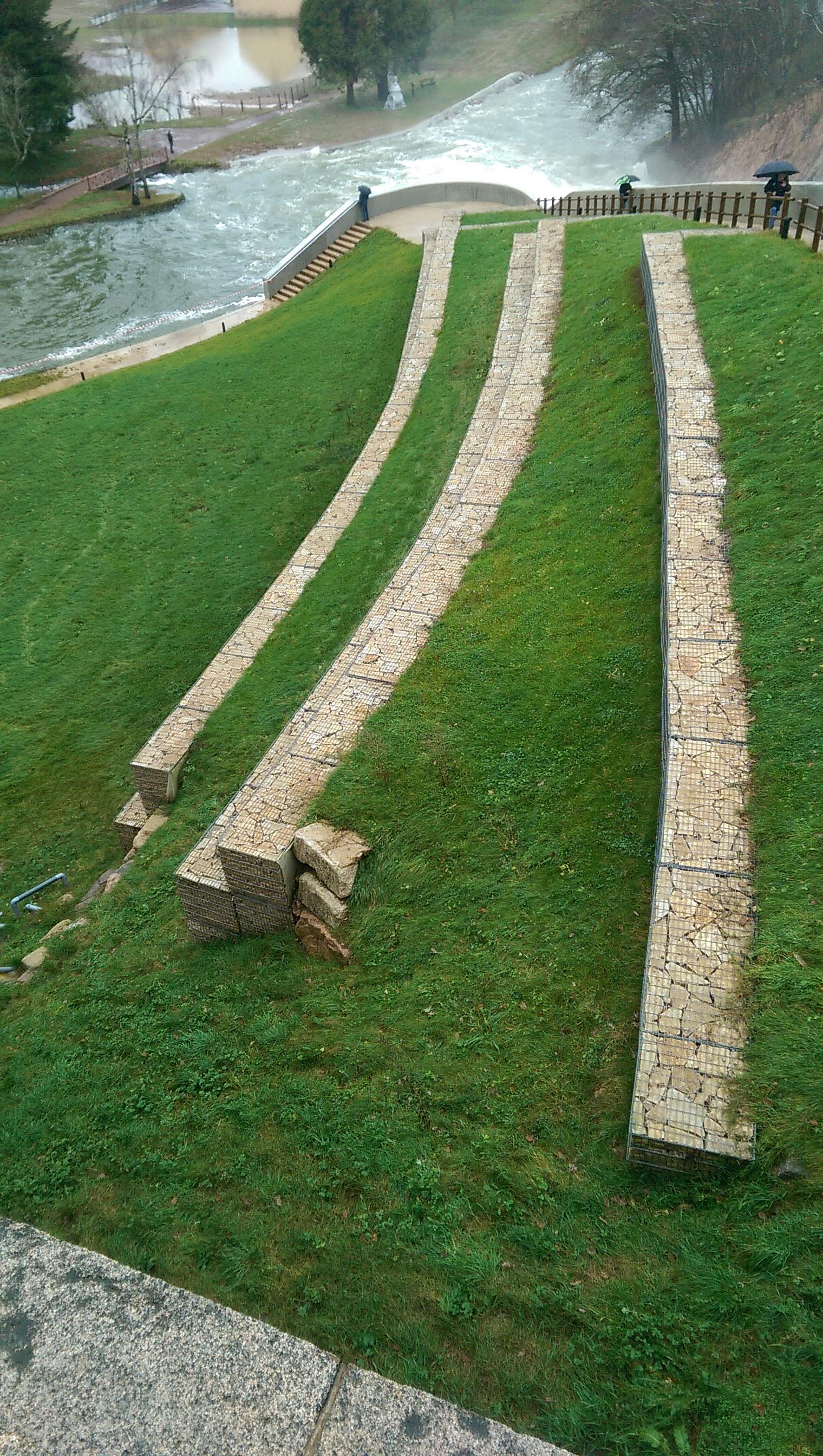 pont et massène barrage mur soutènement appareillage lave berge gabion SETP 2016