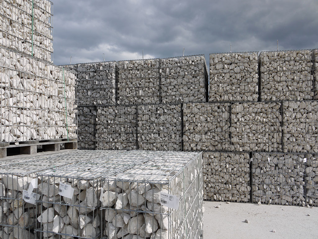 Stock de gabions stonebox à Comblanchien