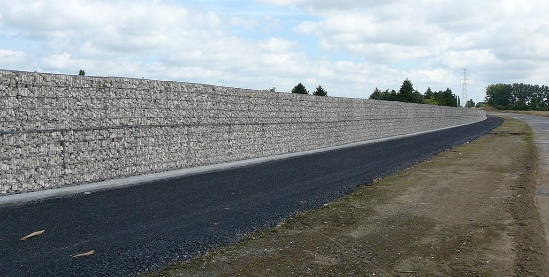 Mur anti-bruit en gabions STONEBOX® le long d'une voie rapide