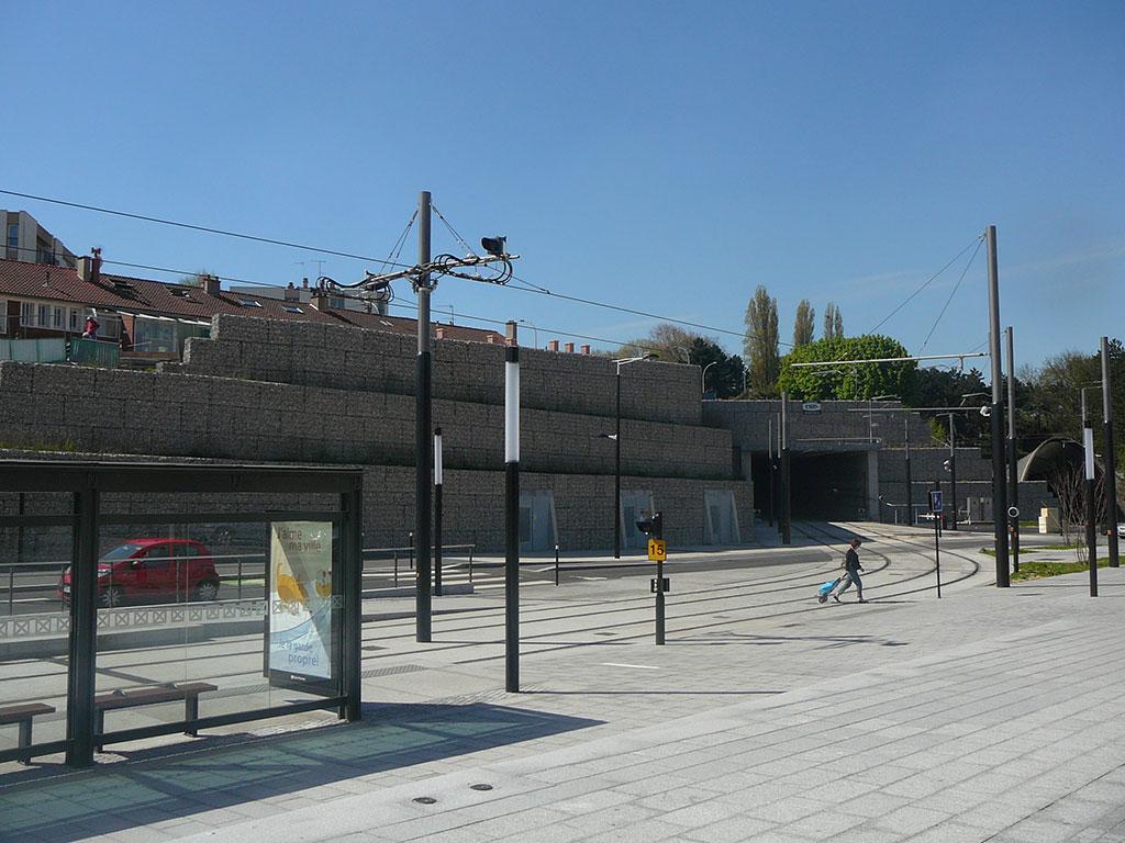 Tramway du Havre soutènement en Gabions SETP Stonebox